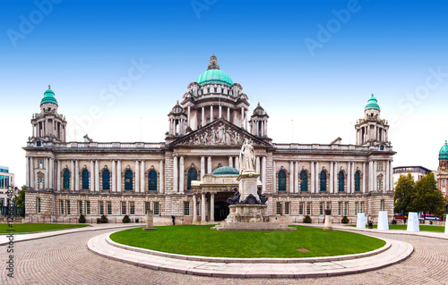 Fotografie, Obraz Belfast City Hall and Donegall Square, Northern Ireland, UK