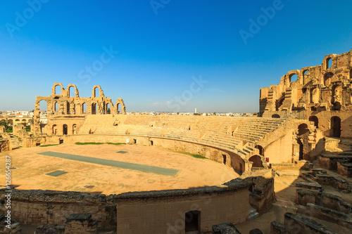 Staande foto Tunesië El Jem amphitheater in Tunisia