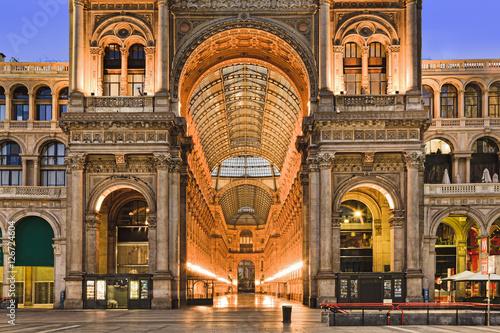 Valokuva  Milan Gallery Entrance Close
