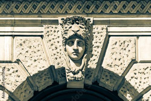 Decorative Keystone Male Face Canvas-taulu