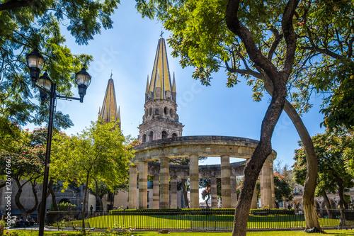 Fotografie, Obraz  Rotonda de los Jalisciences Ilustres and Cathedral - Guadalajara, Jalisco, Mexic