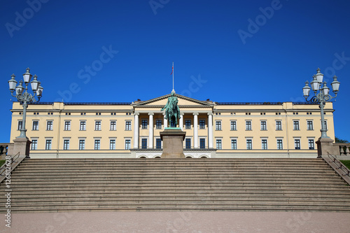 Photo  The Royal Palace and statue of King Karl Johan XIV in Oslo, Norw