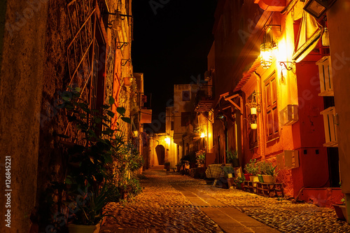 ulice-miasta-nocnego-rodos-stara-czesc