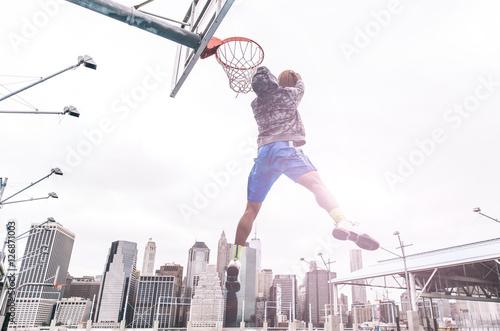 Photo  Huge slam dunk
