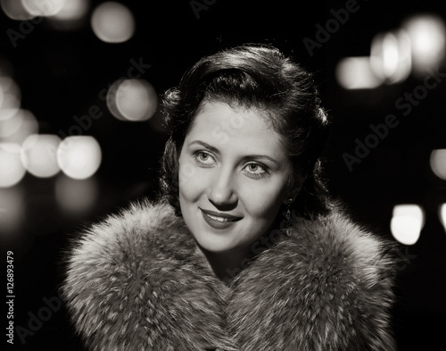 Fotografia  smiling lovely lady portrait with space