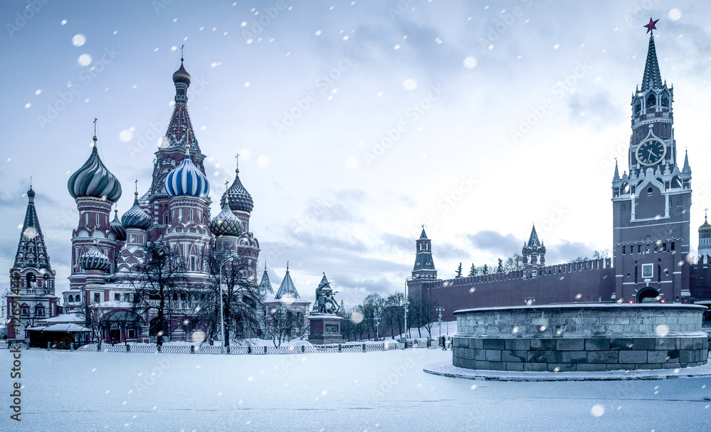 Fototapety, obrazy: Christmas time in Moscow - snow falling on Red Square, Russia