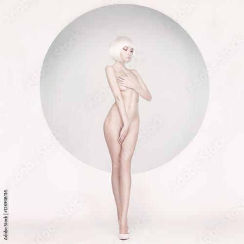 Poster womenART Elegant sensual woman on geometric background