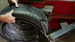 Assembly and disassembly of auto tires