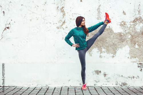 Foto op Aluminium Dance School Fitness sport girl in the street