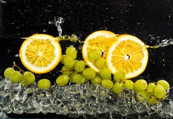 fototapeta pomarańcze woda i lód