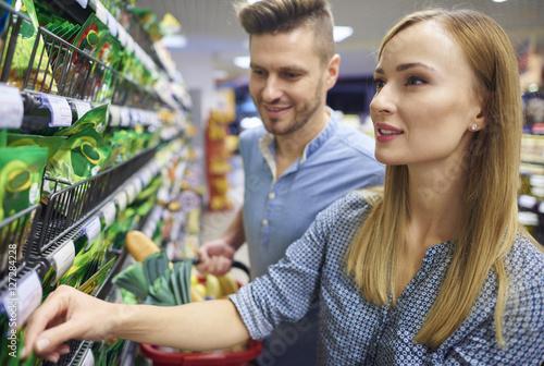 Plakat Weekendowe aktywności spędzone w supermarkecie