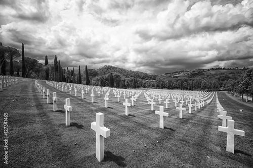 Fotografia, Obraz  Cimitero monumentale di Firenze dedicato ai caduti della Seconda Guerra Mondiale