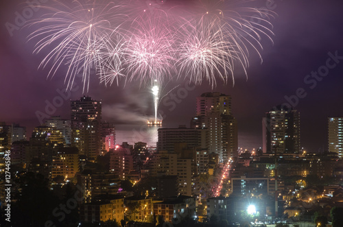 Cadres-photo bureau Pleine lune FIREWORKS IN VALPARAISO CHILE, NEW YEAR 2015