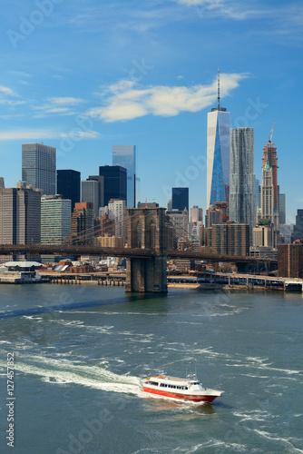 Photo  Brooklyn Bridge and downtown Manhattan