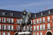 Plaza Mayor De Madrid Con L A ...