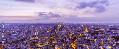 Papiers peints Paris Aerial panoramic View of Paris, France from Tour Montparnas at Dusk