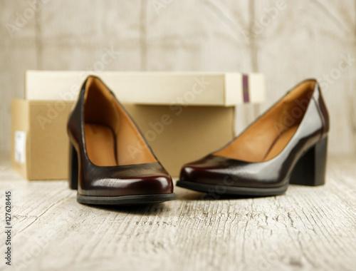 Chaussures de femme : escarpins en cuir