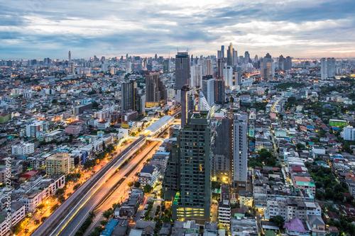 Foto op Aluminium Kuala Lumpur Bangkok dawn, City scape view on metropolis of Thailand