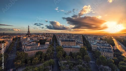 Keuken foto achterwand Parijs Sunset over Paris and the Eiffel tower