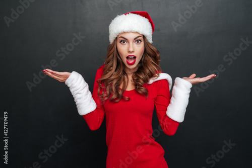 Fotografija  Interrogative christmas woman