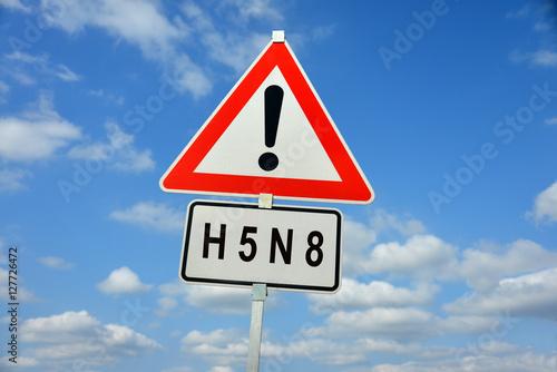 H5N8, Geflügelpest, Vogelgrippe, Geflügel, Schild, Warnung, Vögel, Virus, Wildvögel, Tierseuche, Gänse, Hühner, Tierhaltung, Nutztiere, Pest, Seuche, Umwelt