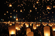 Floating Lantern Festival In T...