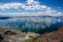 View Of The Lake Mead At Sprin...