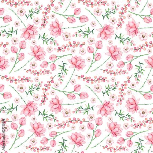delikatny-wzor-z-akwarela-rozowe-kwiaty-i-jagody