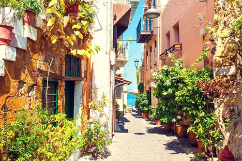 Obraz Piękna ulica w Chania, Kreta, Grecja - fototapety do salonu