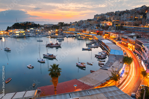 Foto op Plexiglas Athene Evening view of Mikrolimano marina in Athens, Greece.