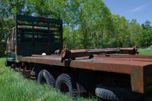 古びたトラック