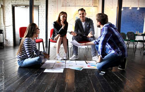 Fotografía  Startup Diversity Teamwork Brainstorming Meeting Concept