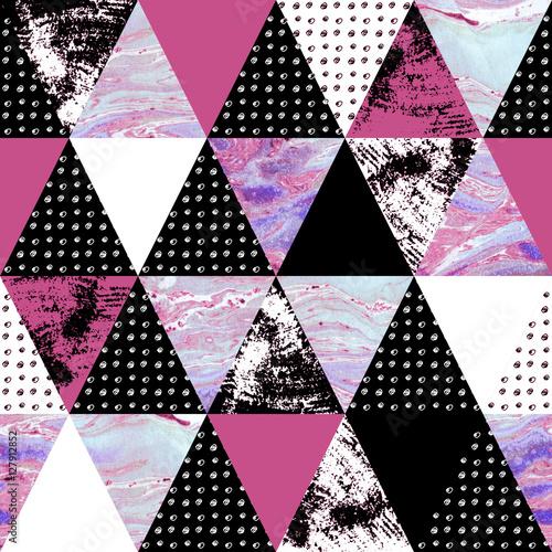 trojkat-wzor-z-grunge-i-akwarela-tekstur
