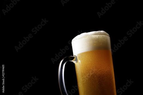 Foto op Plexiglas Bier / Cider ジョッキにビールを注ぐ Pouring beer into glass