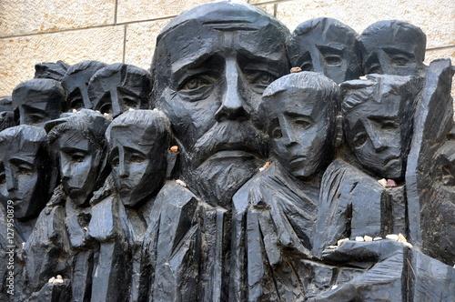 Fotografia, Obraz Jerusalem - Denkmal Janusz Korczak und die Ghettokinder in Yad Vashem
