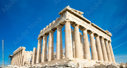 Photo Stands Athens Parthenon on the Acropolis in Athens, Greece