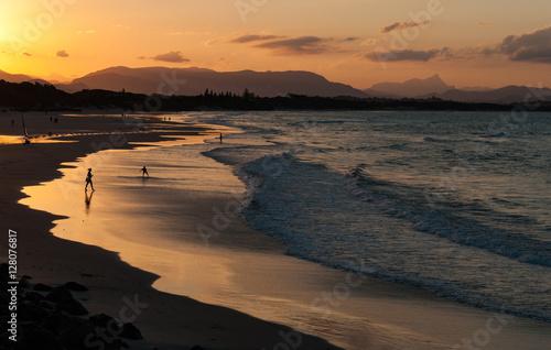 Cuadros en Lienzo Setting sun Byron Bay, NSW, Australia