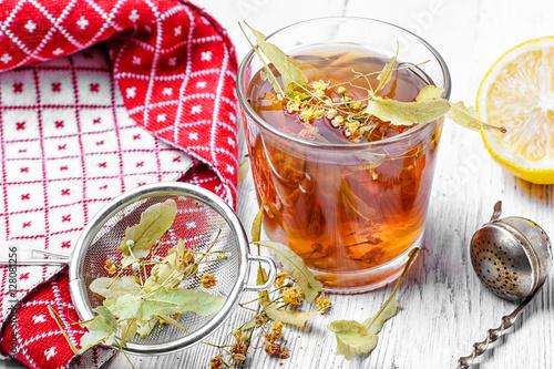 Photo Stands Roe Linden herbal tea