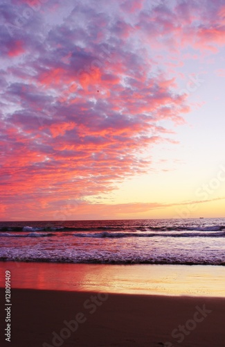 Photo  Amazing pacific ocean sunset pictures