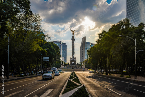 Staande foto Mexico Paseo de La Reforma avenue and Angel of Independence Monument - Mexico City, Mexico