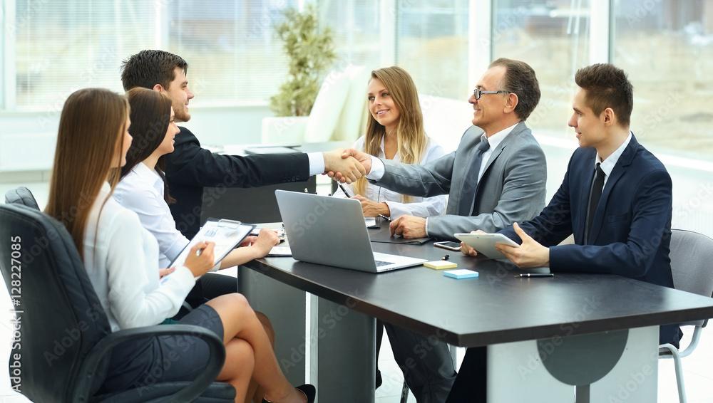 Fototapeta meeting business partners in a modern office