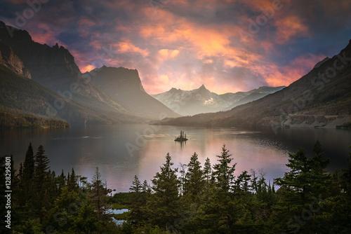 Fotografie, Obraz  St Mary Lake at dusk