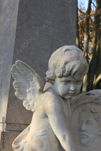 Foto  Guardian angel grave ornament