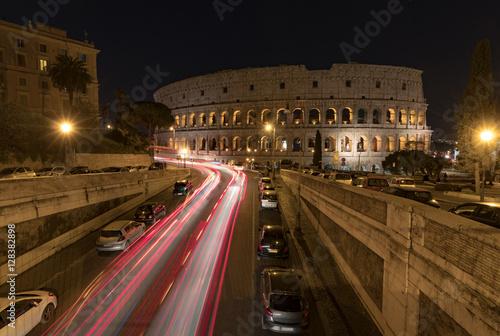 Zdjęcie XXL Koloseum w Rzymie w nocy