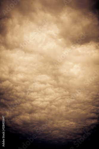 Photo sur Toile Les Textures Ominous Grey Storm Clouds Filtered