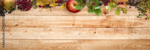 jesien-czas-liscie-i-jagody-w-stylu
