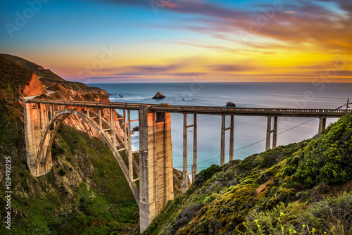 Poster Cote Bixby Bridge and Pacific Coast Highway at sunset
