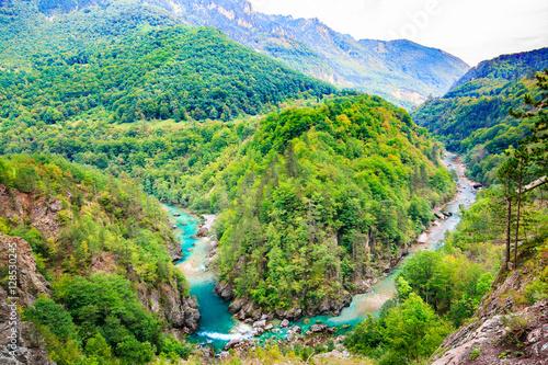 Foto auf AluDibond Schlucht Mountain landscape. Tara River Canyon, Durmitor National Park, Montenegro.