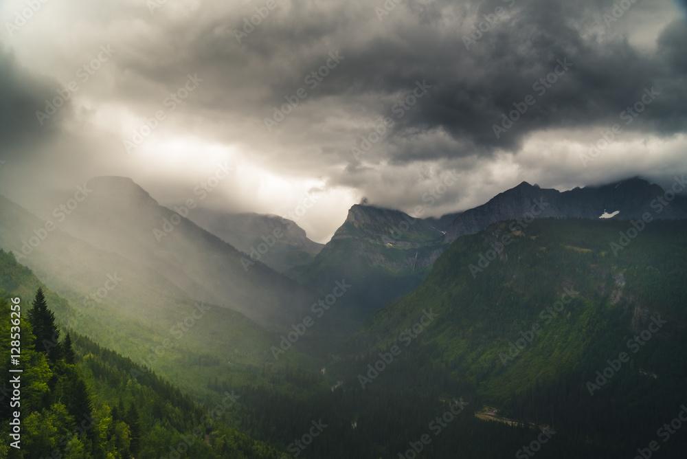 Fototapety, obrazy: Rainy valley.