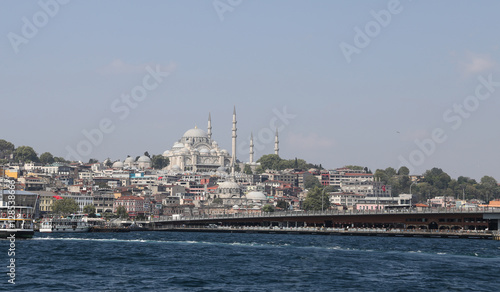 Cadres-photo bureau Turquie Suleymaniye Mosque and Galata Bridge in Istanbul City